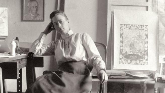 La pintora Hilma af Klint retratada en su estudio en Estocolmo en torno a 1895Courtesy of Stiftelsen Hilma af Klints Verk